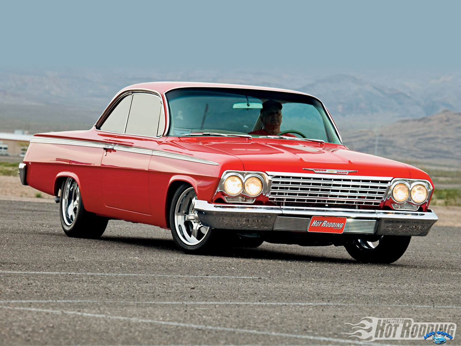 1010phr_01_o+1962_chevy_imapala+front_right.jpg
