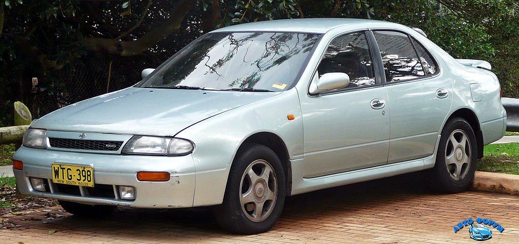 1024px-1993-1995_Nissan_Bluebird_(U13)_SSS_sedan_02.jpg