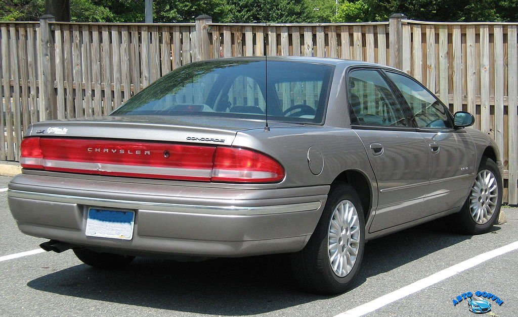 1024px-Chrysler_Concorde_LX_silver_rear_cz.jpg