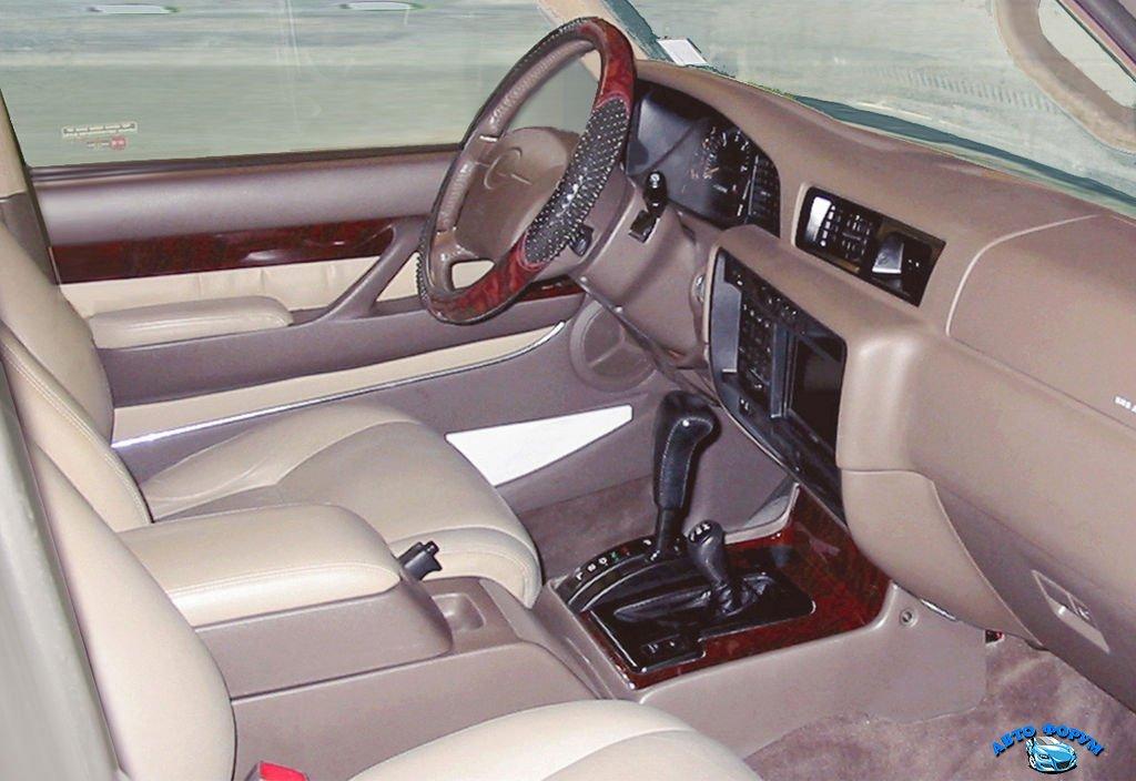 1024px-Lexus_LX_450_interior.jpg