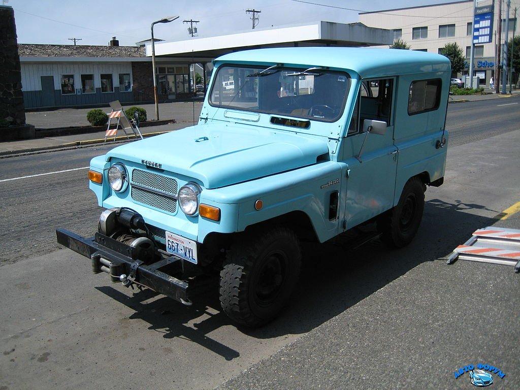 1024px-Nissan_Patrol_K60.jpg