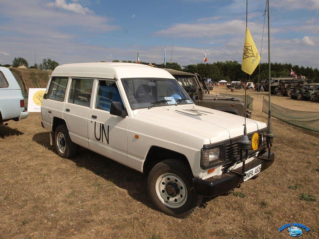 1024px-Nissan_RD28_Patrol_(1995)_(owner_Declan_Gaffney)_pic1.JPG