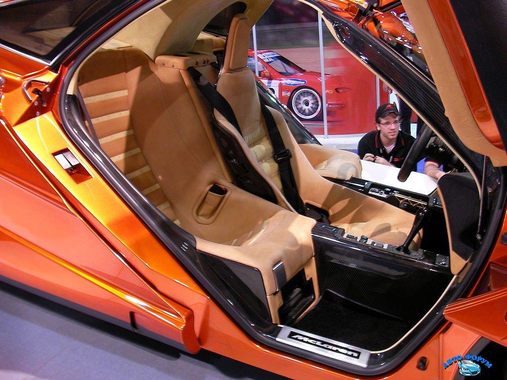 1024px-Orange_McLaren_F1_interior.jpg