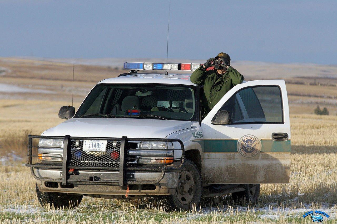1280px-Border_Patrol_in_Montana.jpg