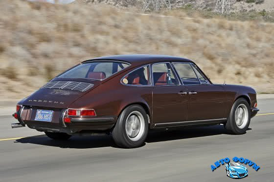 1367868905_porsche_911_4-door_sedan_by_troutman-barnes_1967_04.jpg