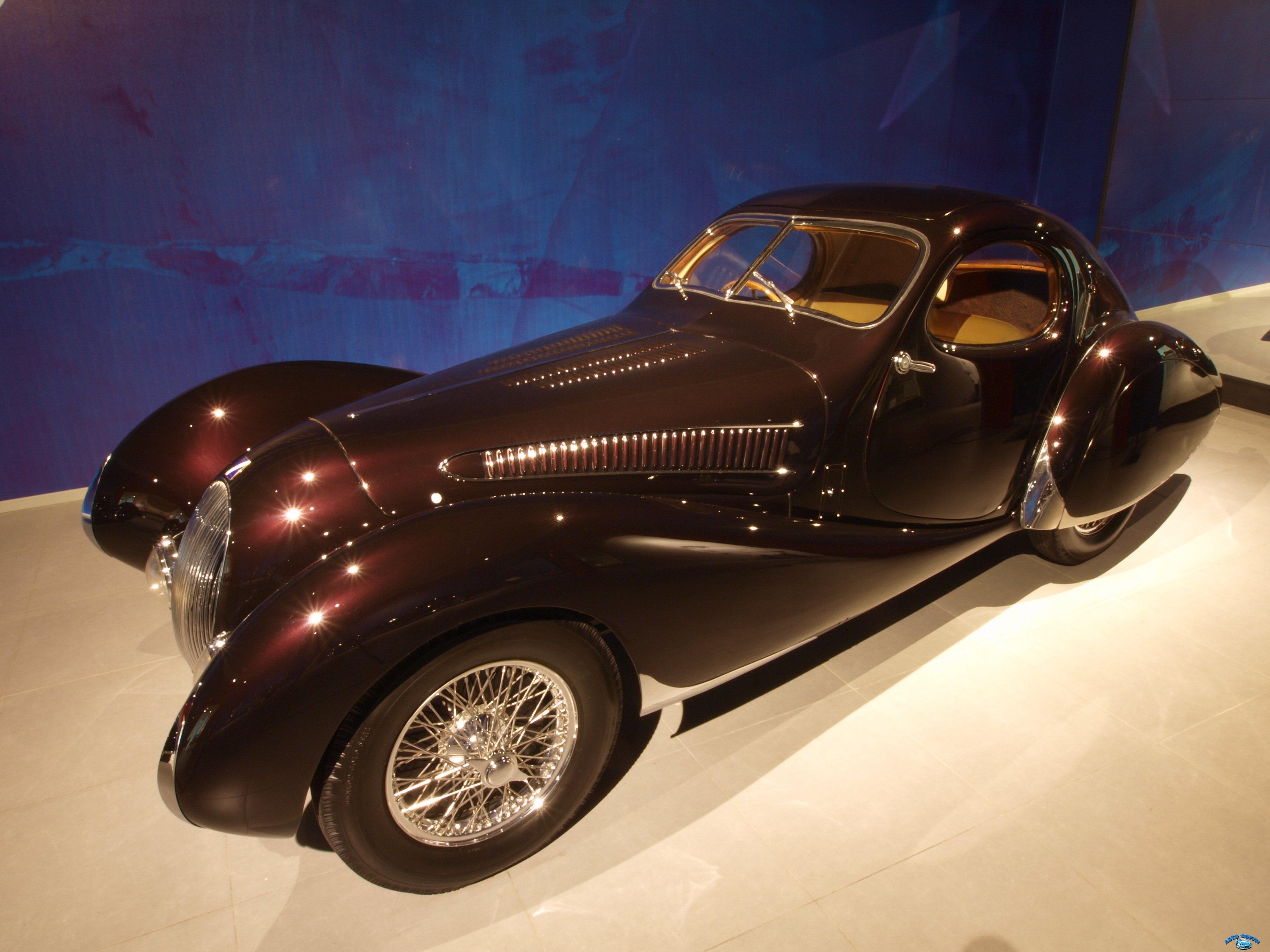 1937_Talbot_Lago_T150_SS_Figoni_&_Falaschi_Teardrop_Coupe_p4.JPG