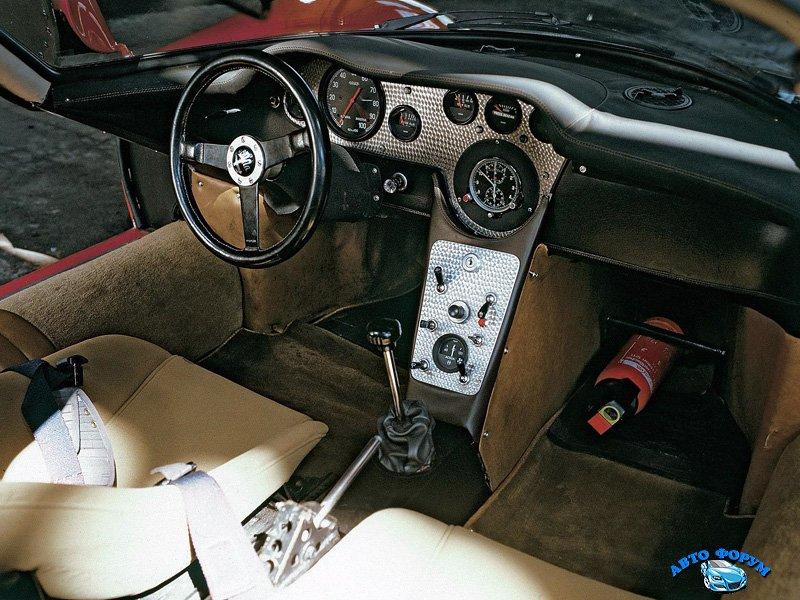 1967-alfa-romeo-tipo-33-stradale-9.jpg