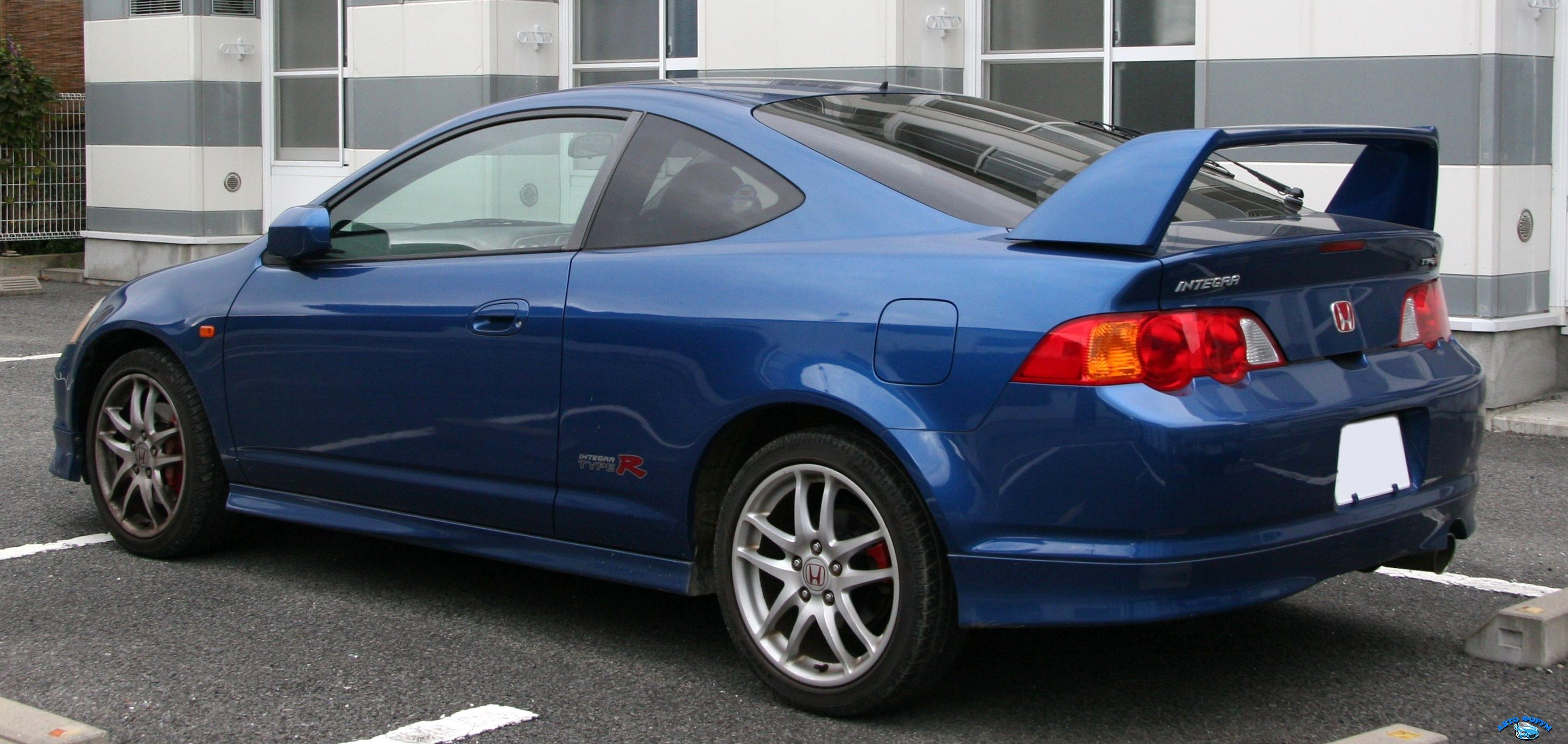 2001-2004_Honda_Integra_Type-R_rear.jpg