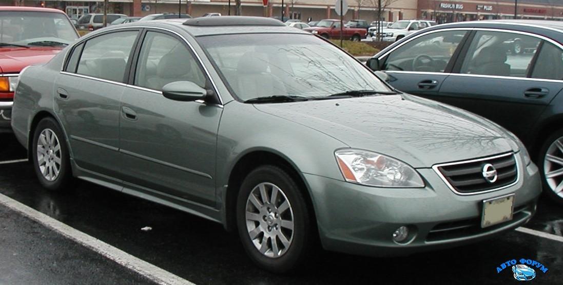 2002-04_Nissan_Altima.jpg