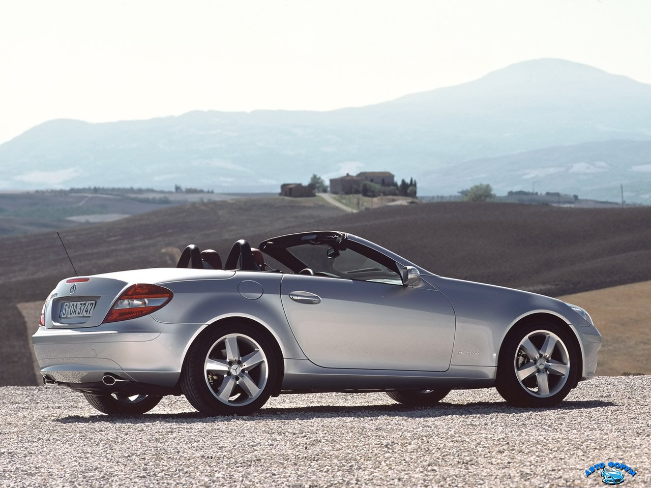 2004-Mercedes-Benz-SLK-200-Kompressor-RS-House-1280x960.jpg