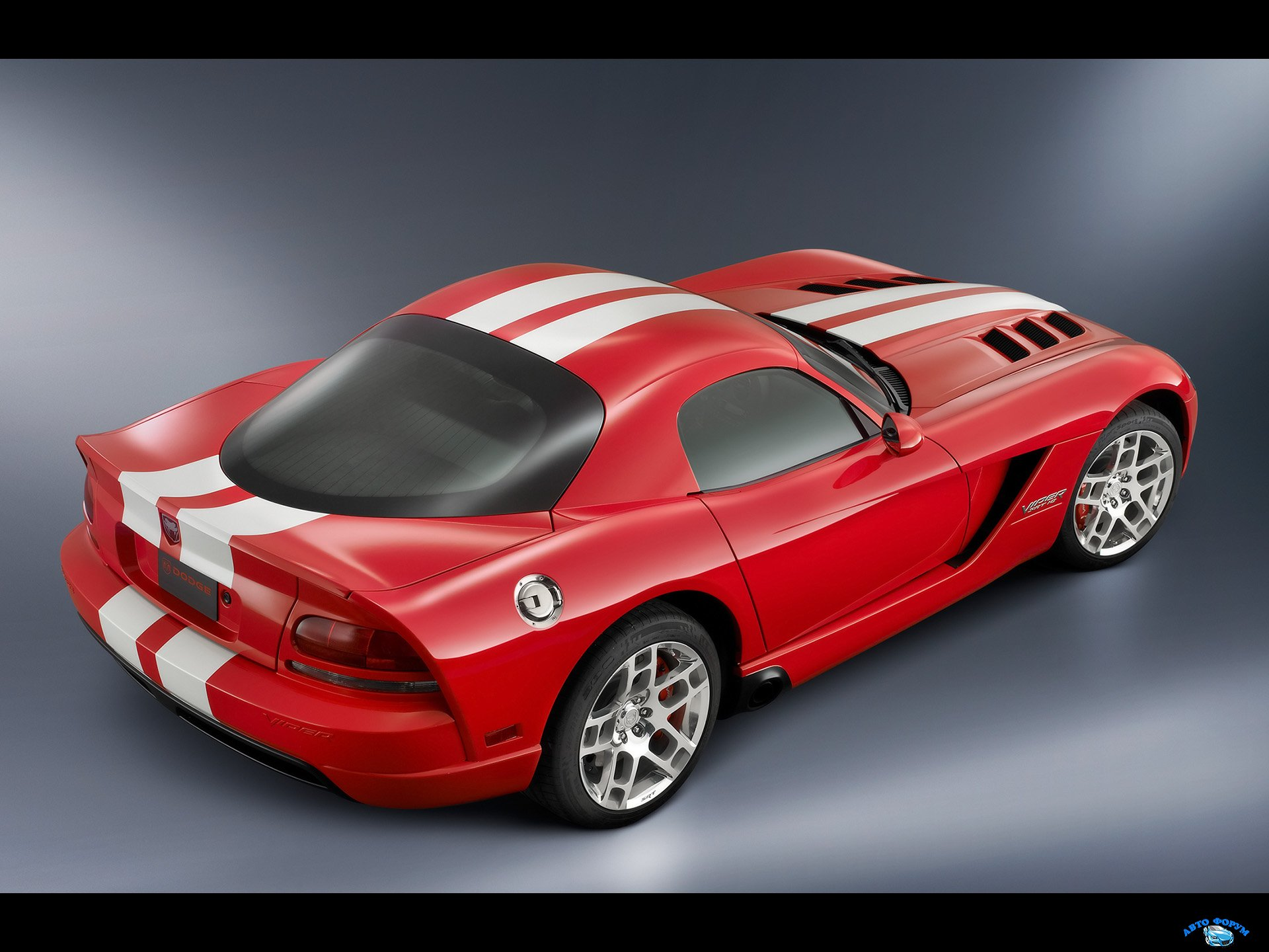2008-Dodge-Viper-SRT10-Coupe-Rear-And-Side-1920x1440.jpg