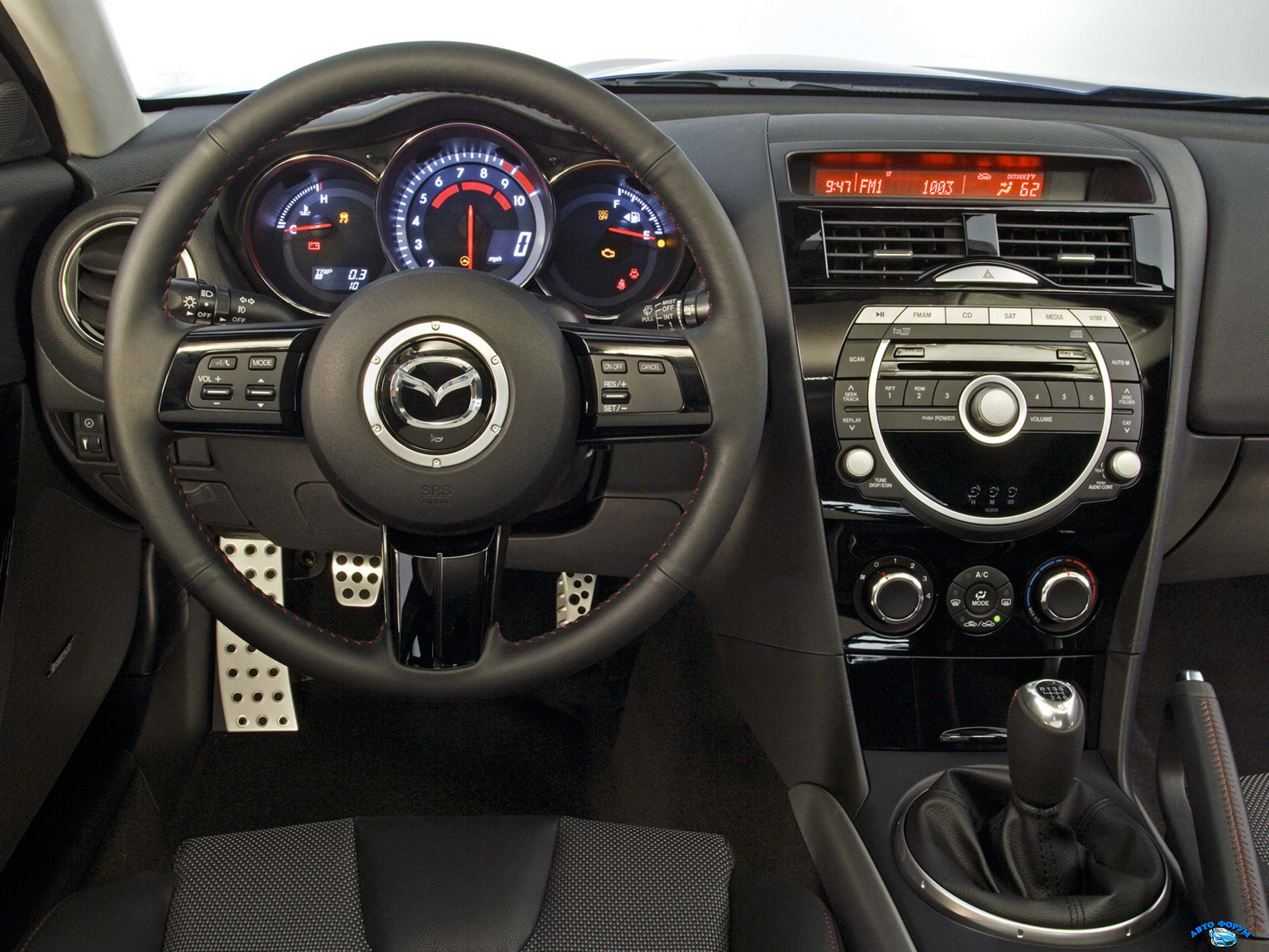 2010-Mazda-RX-8-Coupe-Hatchback-Sport-4dr-Coupe-Interior.png