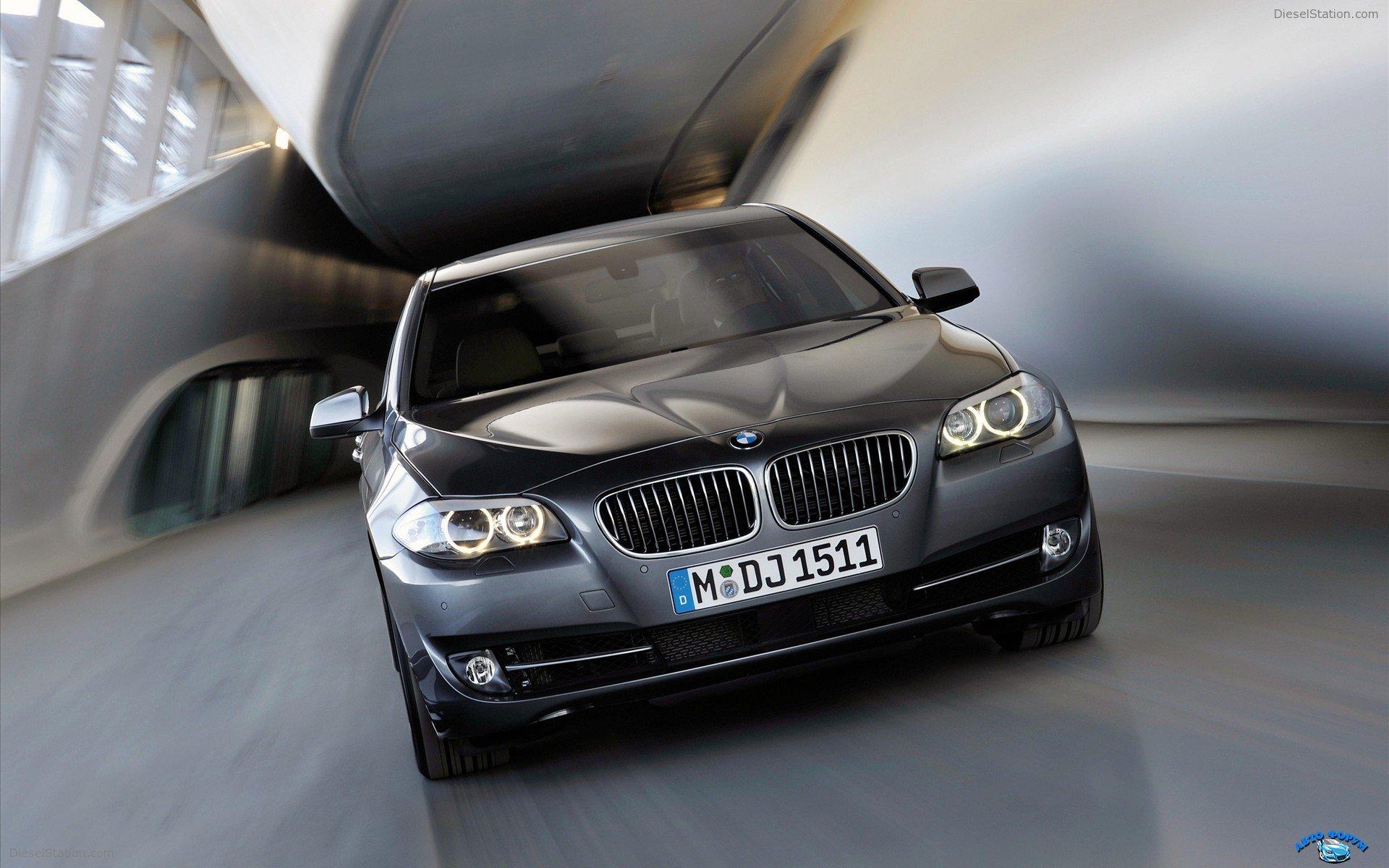 2011-BMW-5-Series-widescreen-01.jpg