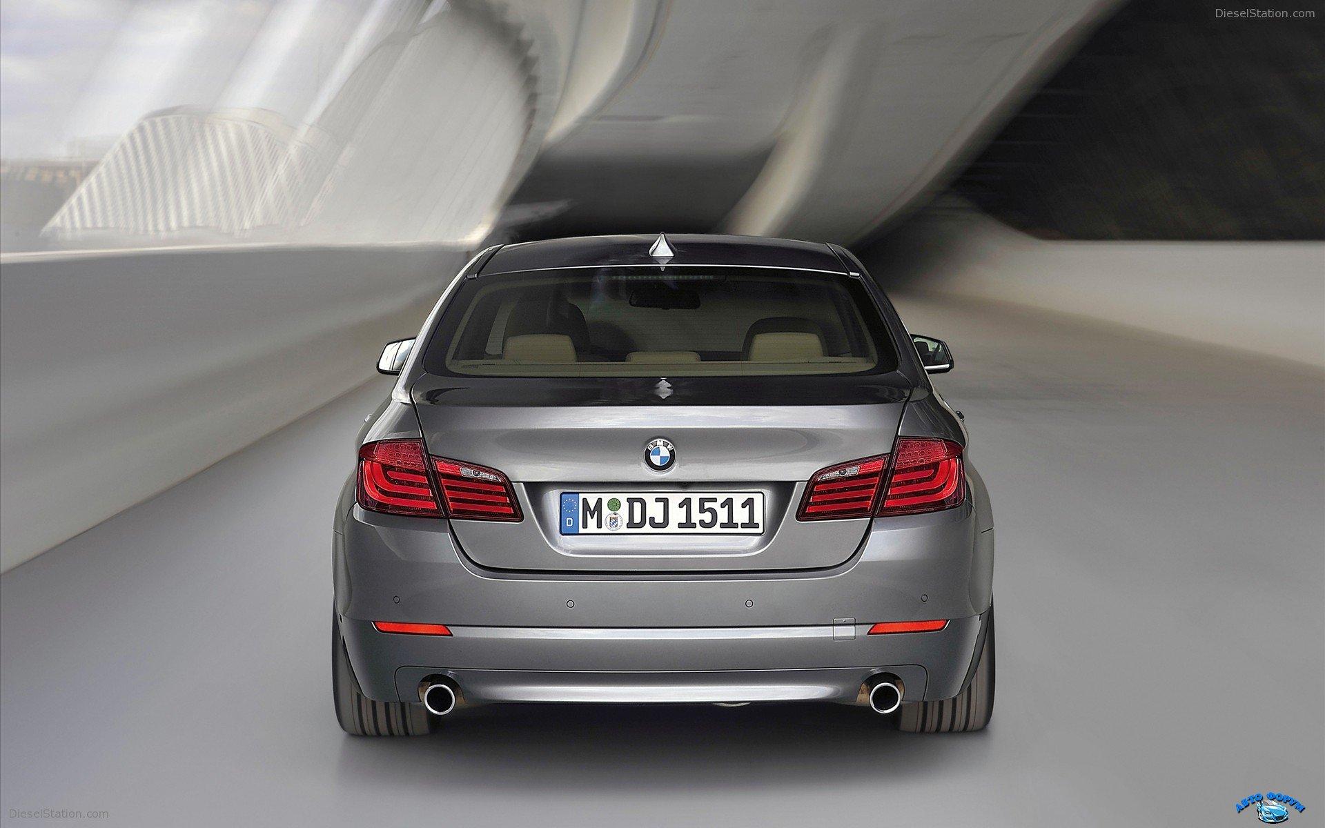2011-BMW-5-Series-widescreen-03.jpg