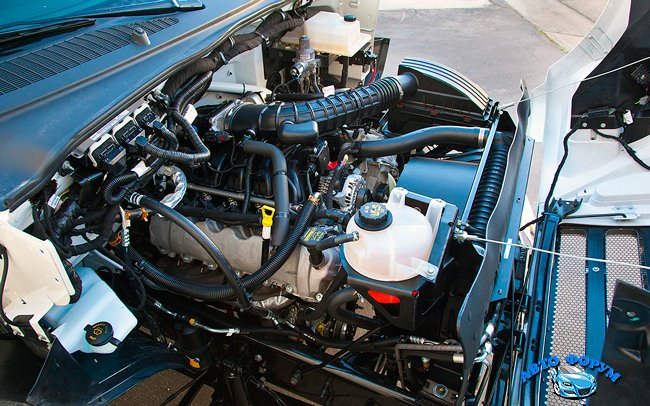 2012-ford-f-650-dump-truck-engine-view.jpg