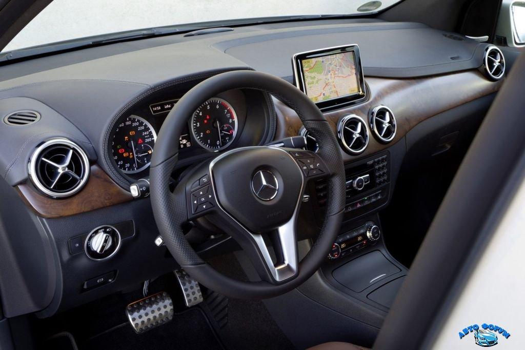 2013-Mercedes-Benz-2.jpg