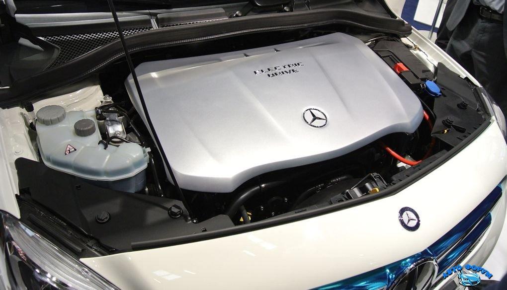 2013-Mercedes-Benz-6.jpg