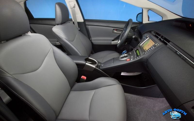 2013-Toyota-Prius-3.jpg