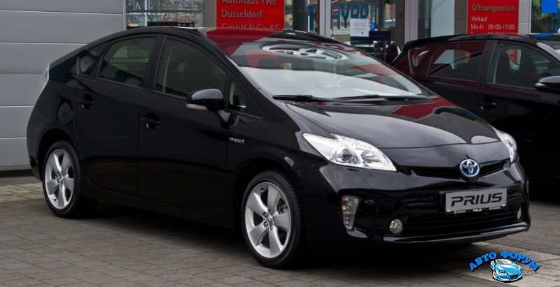 2013-Toyota-Prius-4.jpg