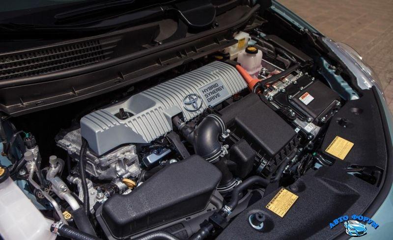 2013-Toyota-Prius-6.jpg
