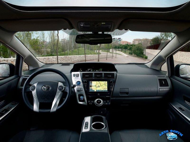 2013-Toyota-Prius.jpg