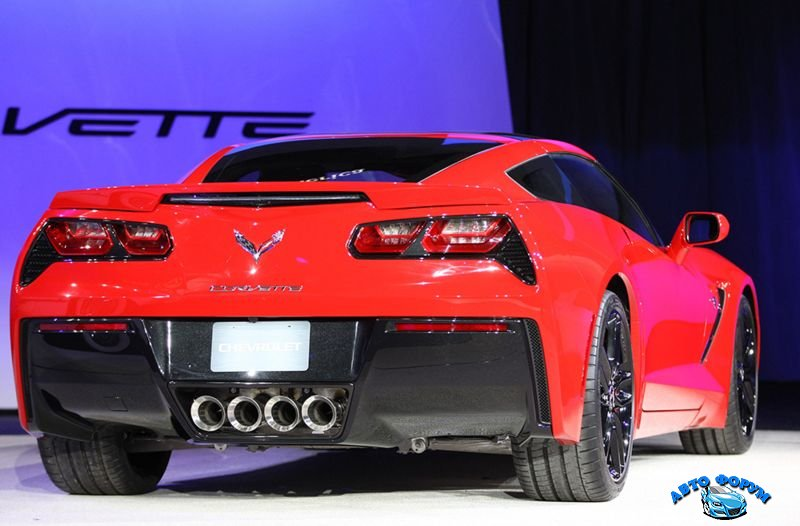 2014-chevrolet-corvette-stingray-1.jpg