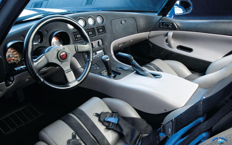 2014-Dodge-Viper-Gts-Interior.jpg