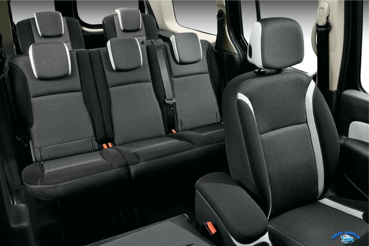 2014-Renault-Kangoo-cabin.jpg