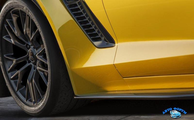 2015-chevrolet-corvette-3.jpg