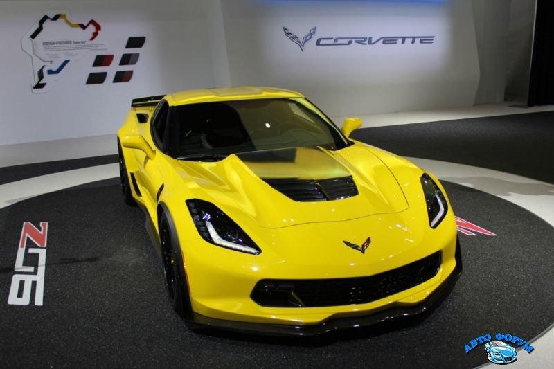 2015-chevrolet-corvette.jpg