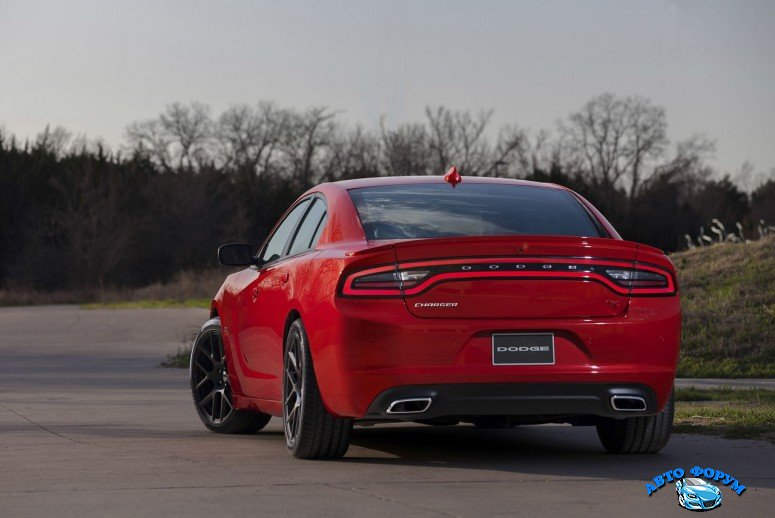 2015-dodge-charger-20jpg_small.jpg