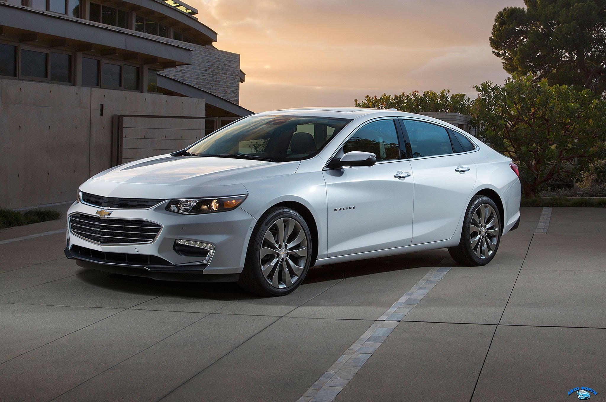 2016-Chevrolet-Malibu-front-three-quarter-static.jpg