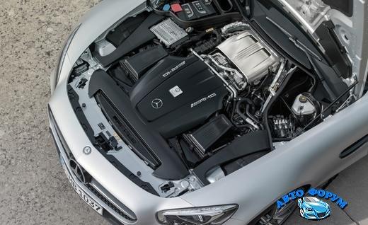 2016-mercedes-amg-gt-twin-turbocharged-40-liter-v-8-engine-photo-631158-s-520x318.jpg