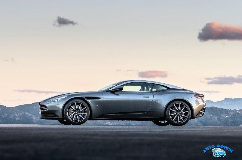 2017-Aston-Martin-DB11-Photos-Leaked-2.jpg