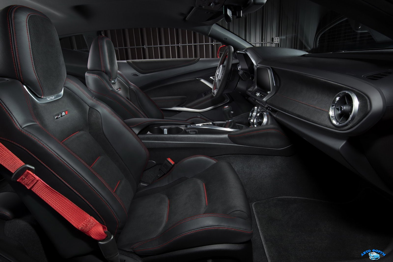 2017-Chevrolet-Camaro-ZL1-8.jpg