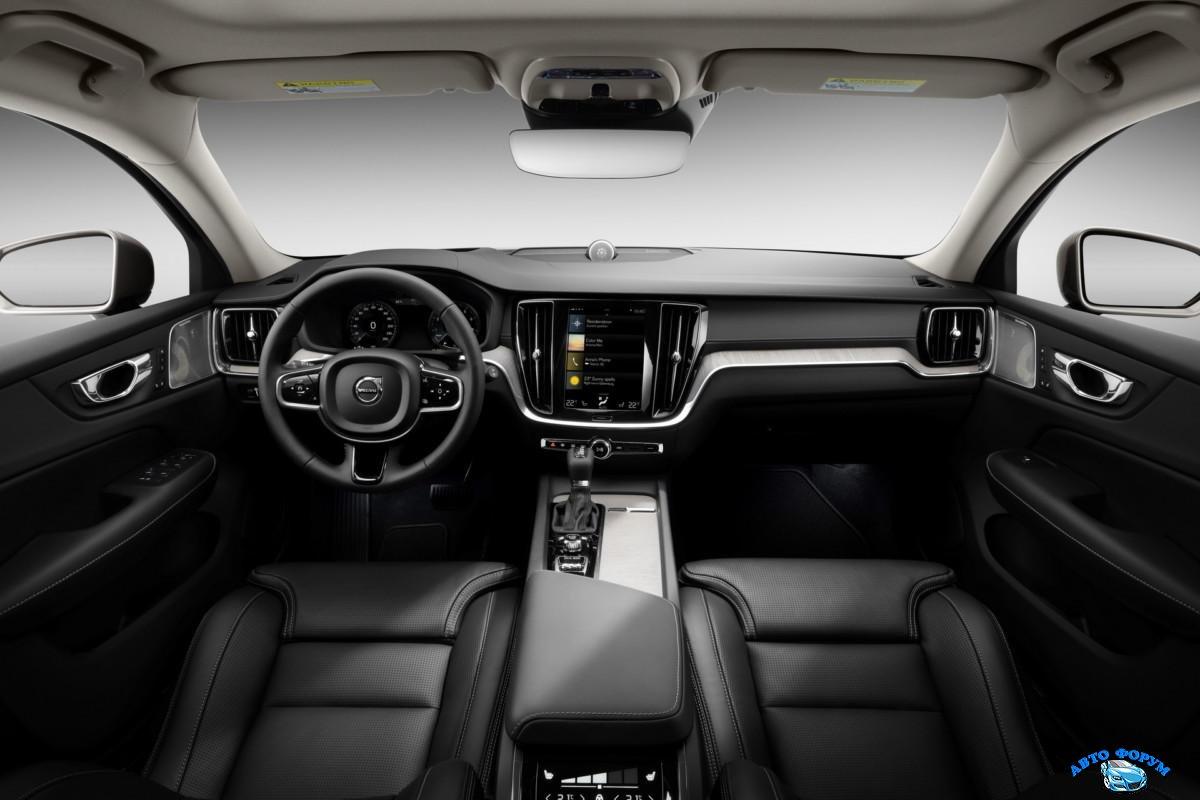 2018-VolvoV60-65.jpg