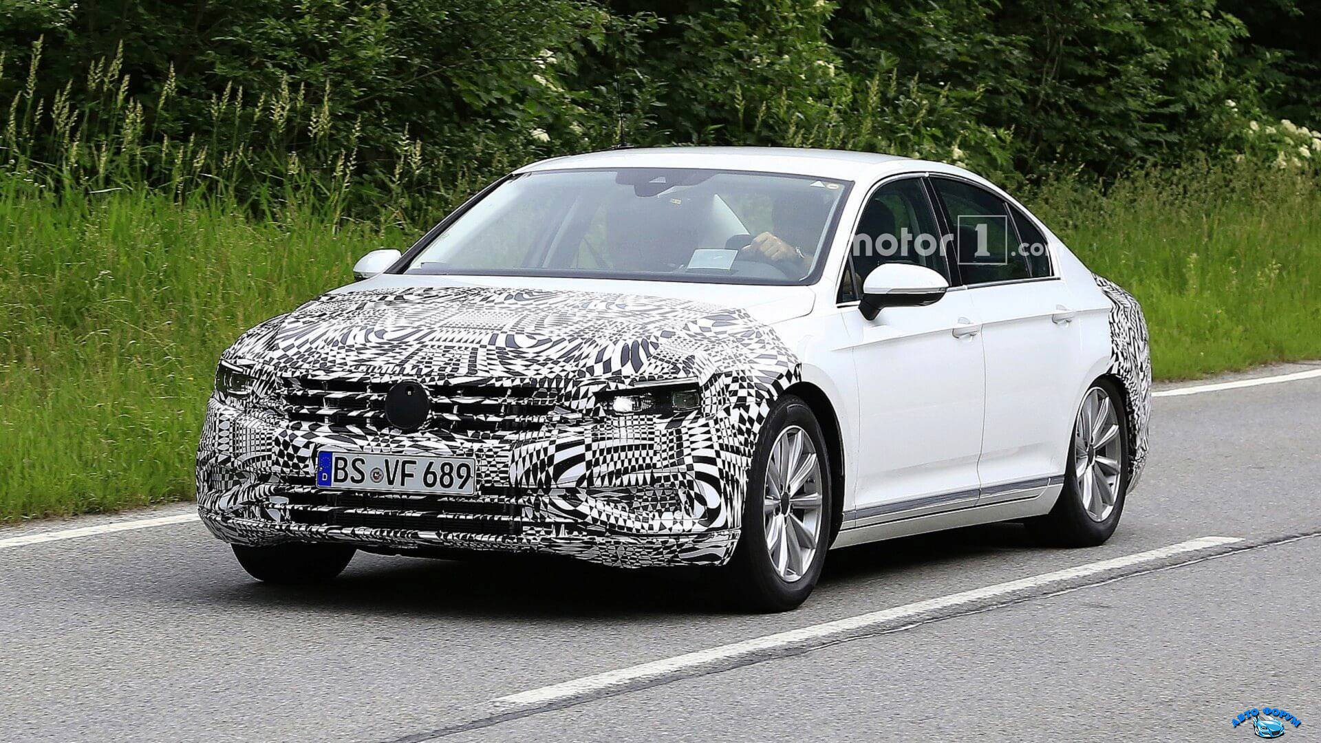 2019-vw-passat-euro-spec-facelift-spy-photo.jpg
