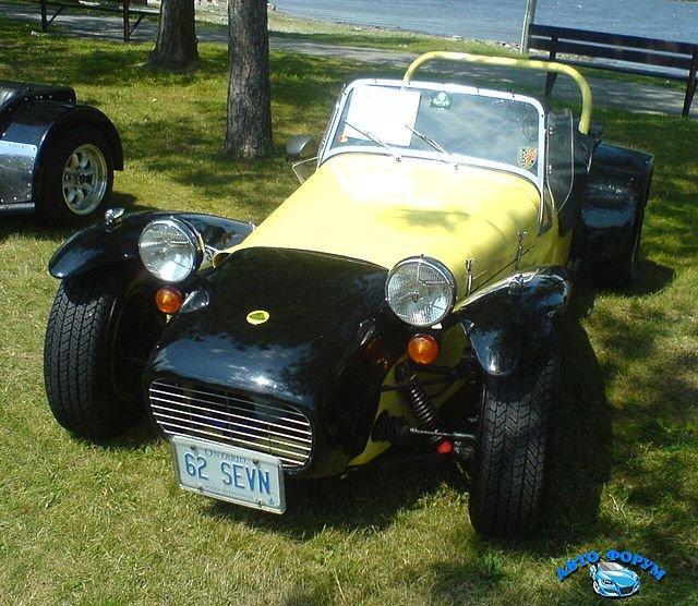 \'62_Lotus_7_(Ottawa_British_Car_Show_\'10).jpg