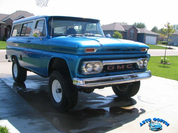 66_GMC_carryall.JPG