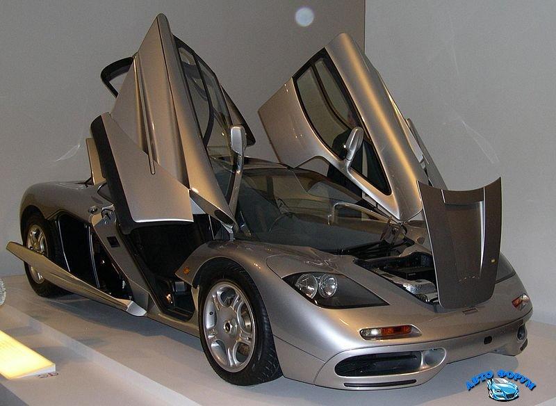 800px-1996_McLaren_F1_open.jpg