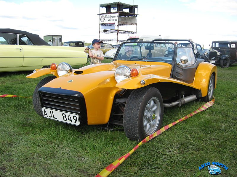 800px-Lotus7-S4.jpg