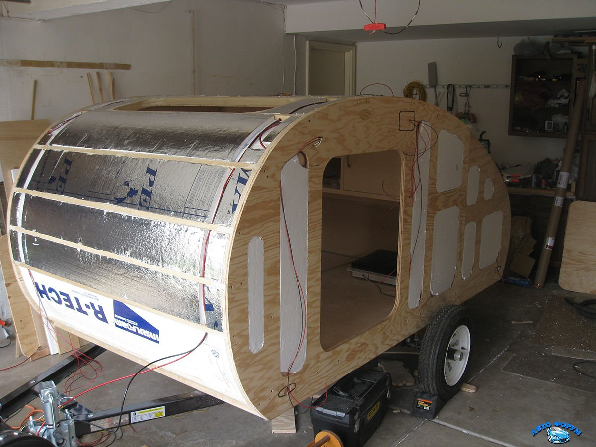 a_beautiful_hand_built_teardrop_trailer_6lJdh_26.jpg