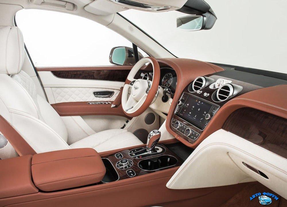 Bentley-Bentayga-2016-2017-salon-1.jpg