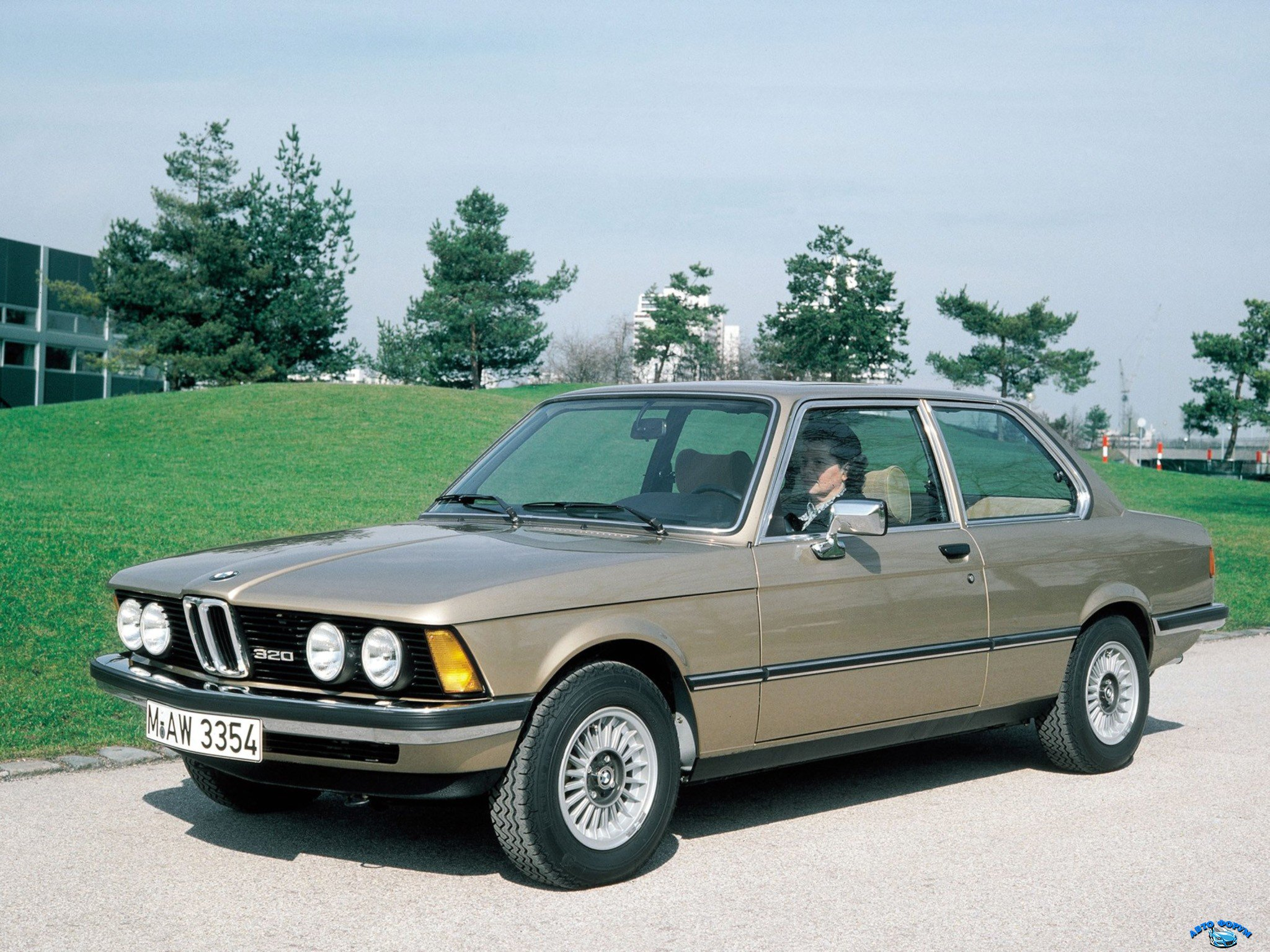 BMW-320-Coupe-1975–1977-2.jpg