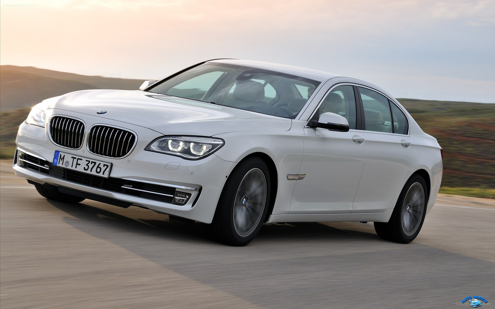 BMW-7-Series-2013-widescreen-17.jpg