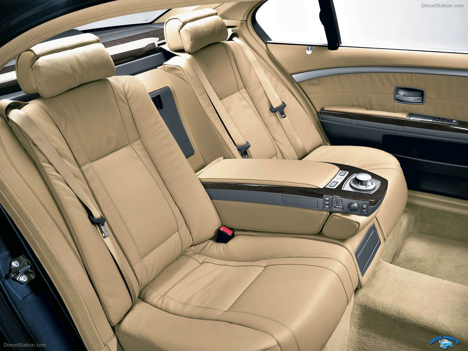 BMW-7Series-081.jpg