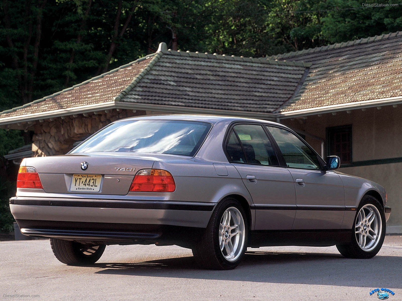 BMW-7Series-1994-004.jpg