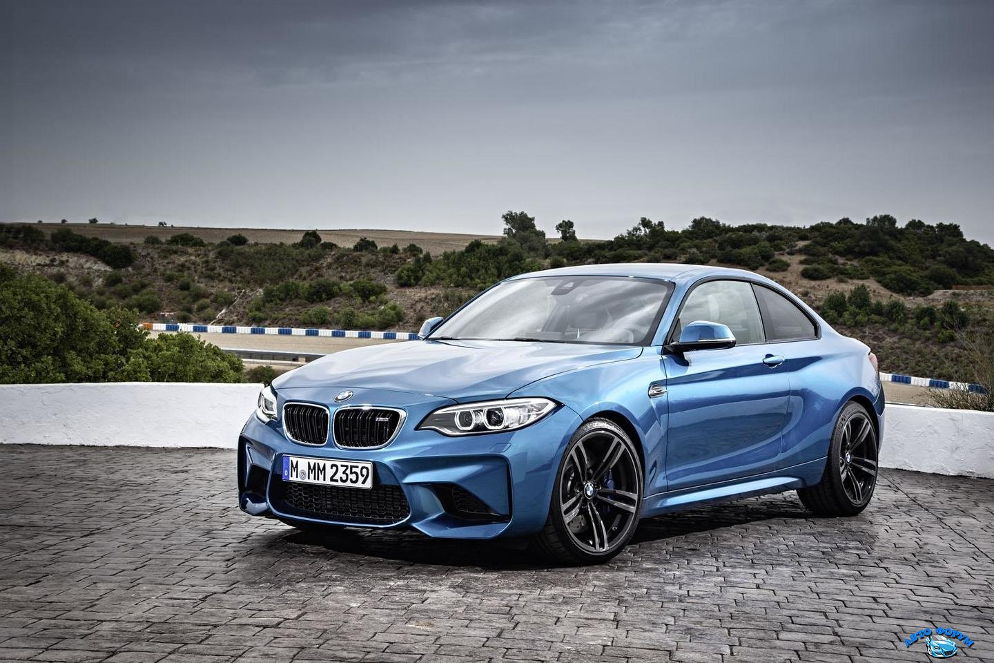 bmw-m2-official-photo-40.jpg