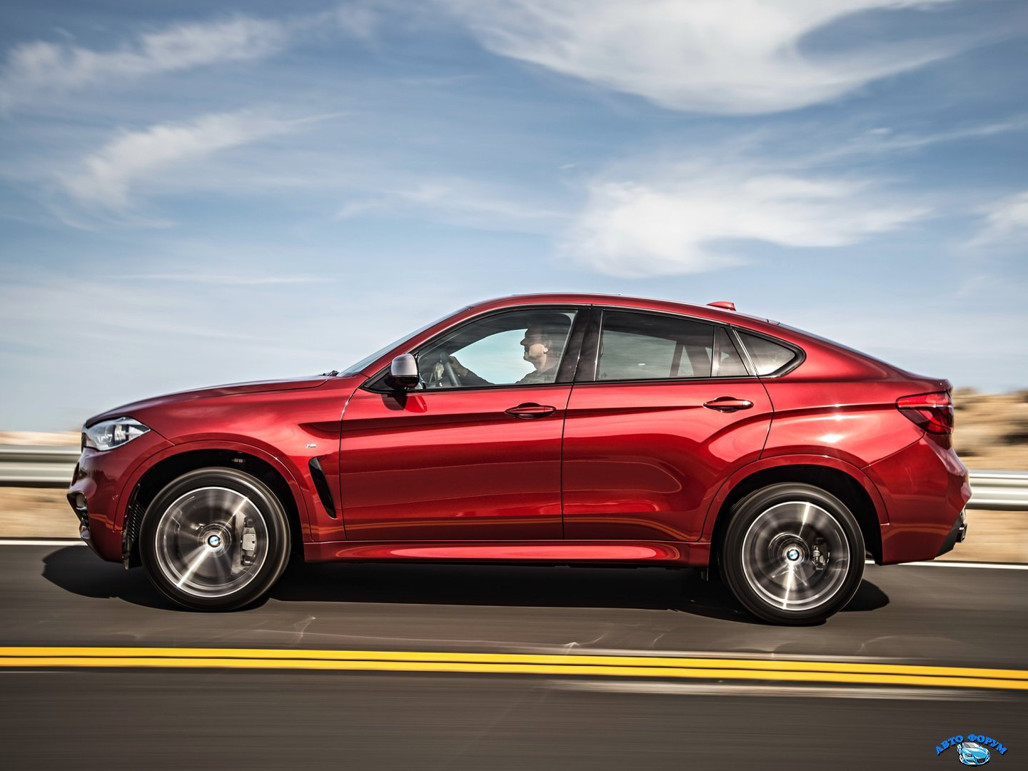 BMW_X6 M_SUV 5 door_2014.jpg