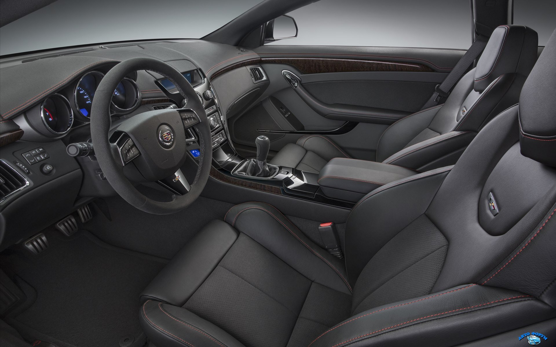 Cadillac-CTS-V-Coupe-2015-widescreen-03.jpg